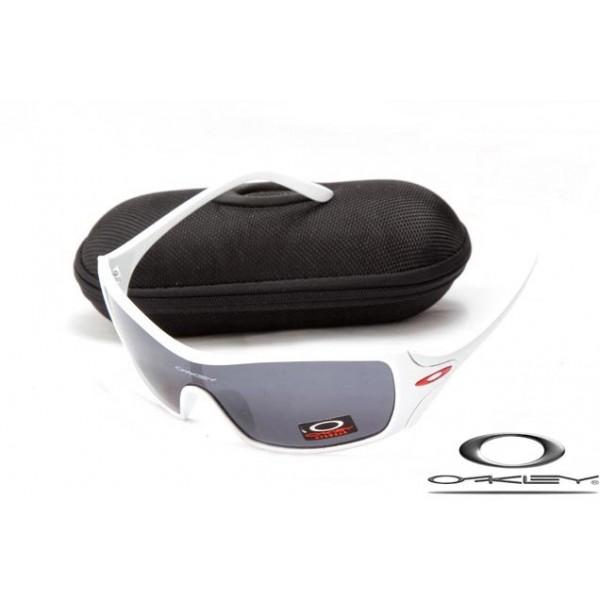 795fb42bf0c replicas Oakley dart matte white frame   black iridium lens